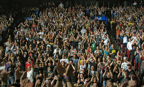 ... ways to use social media to build a crowd for your event | Socialbrite