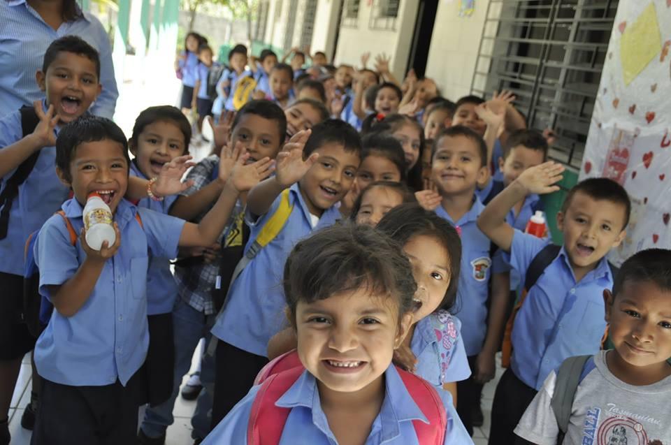 El Salvador schoolkids